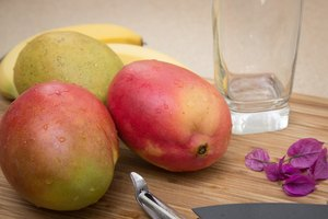 How to Eat Mangoes