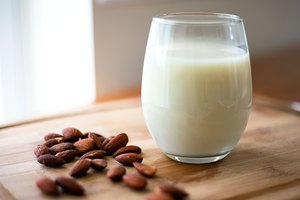 How to Heat Almond Milk