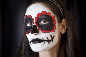 How to Face Paint for the Day of the Dead