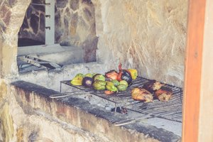 Helpful Tips For Hosting A Summer BBQ