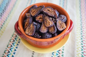 How to Make Dried Figs From Fresh Ones