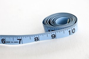 How to Measure Your Waist & Hip Size