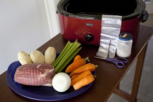 How to Use a Cooking Bag in a Roaster Oven