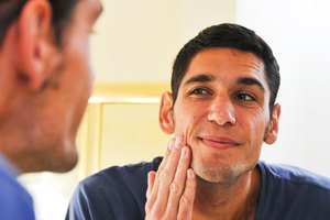 How to Stop the Swelling From Restylane Injections