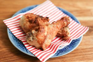 How to Fry Chicken With Corn Starch