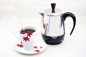 How to Operate a Farberware Percolator