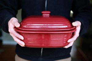 How to Make Pot Roast With Pampered Chef Stoneware