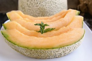 How to Tell if Your Cantaloupe is Ripe