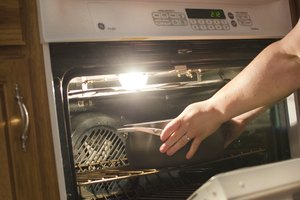How to Determine If Pans Are Oven Safe