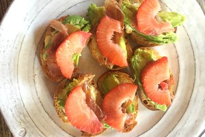 Strawberry, Avocado & Prosciutto Crostinis