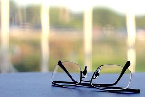 What Does the Magnification of Reading Glasses Mean?