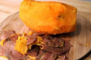 How to Boil a Sweet Potato and Remove the Skin