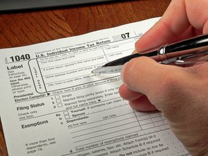 Can a Person Who Is Married Filing Separate File as a Head of Household for Federal Taxes?