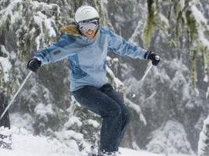 How to Keep Goggles on a Ski Helmet