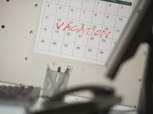 Does a State Have to Give Employees Days Off for Federal Holidays?