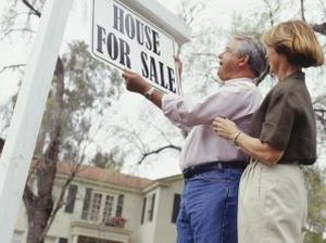 What Percentage of the Sales Price Should You Offer on a House?