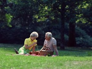 Do Single Women or Married Women Do Better in Retirement?