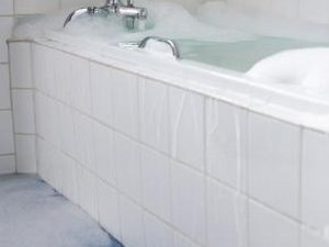 How Much Does It Cost to Reglaze a Bathtub?