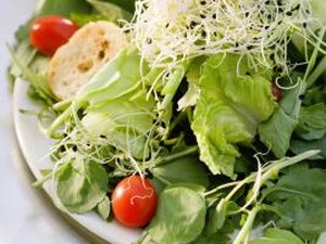 Healthy Reasons to Eat a Salad Today