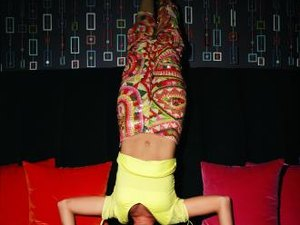 How to Get into a Handstand Push Up