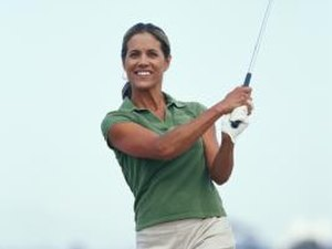 Tips on Playing a Sand Wedge From the Fairway