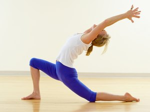 how to use a dring yoga strap  woman