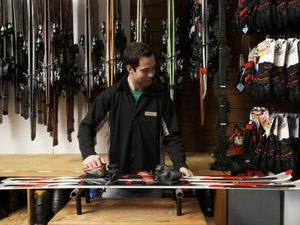 How to Wax Skis for Powder