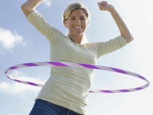 What Are the Benefits of Exercising Abs With a Hula Hoop?
