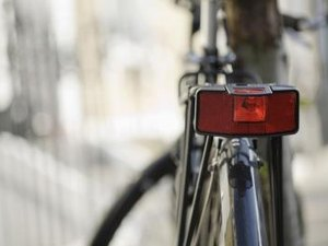 How Many Feet Away Should Your Bike Reflector Be Seen From?