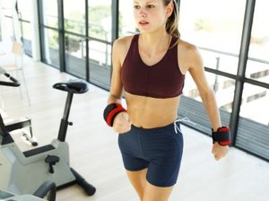 What Are the Benefits Associated With Walking With Wrist Weights?