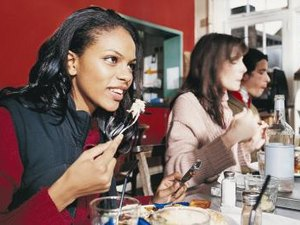 Do You Pass Items to the Right at an Interview Lunch?