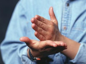 The Average Salary of a Sign Language Interpreter