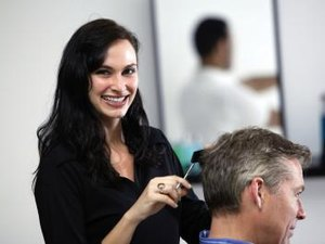 Benefits That Go With Being a Cosmetologist