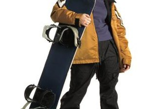 How to Carry Water While Snowboarding