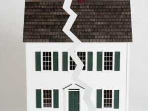 Homeowners Insurance Information & Roof Damage