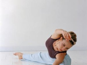 How to Get Thin Upper Thighs by Stretching