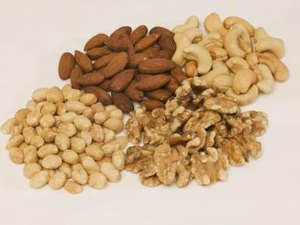Healthy Snack: Walnut Vs Cashew