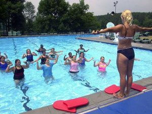 A List of Different Water Aerobics Exercises to Help You Get Fit & Stay Cool This Summer