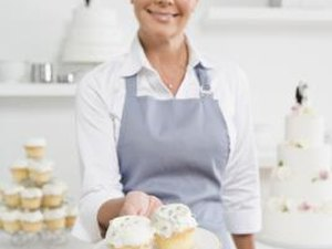 The National Average Starting Salary for Baking & Pastry Chefs