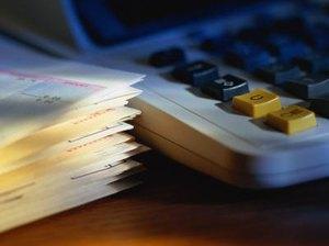 How do I Determine Monthly Budget Expenses?