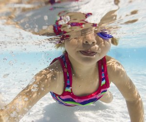 how to teach swim lessons to a 5 year old