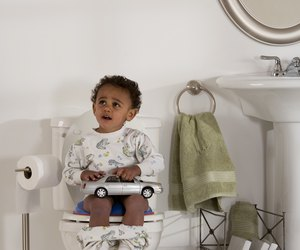 how to potty train a girl at 2