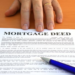How to Add Someone to a Mortgage Deed in Florida