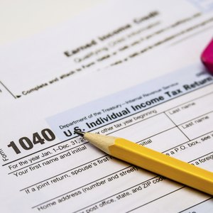 How to Get a Refund for FICA That Was Over-Deducted From an Employee's Checks