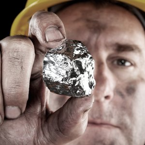 How Does the Value of Silver Fluctuate?
