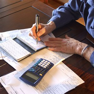 How to Calculate for Escrow Statements