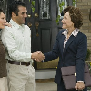 Can Homeowners' Associations Put Liens on Property?