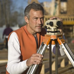 Differences in a Land Surveyor and a Real Estate Appraiser
