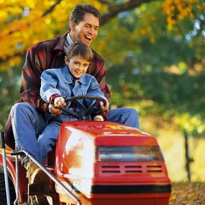 How to Buy a Riding Lawn Mower With No Credit