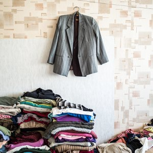How to Donate Clothing to a Homeless Shelter